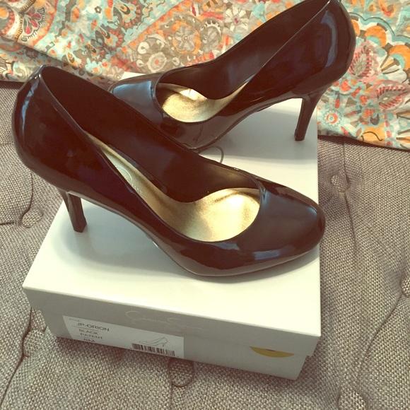 Jessica Simpson black patent leather pumps